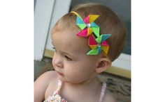Uma opção legal de adorno são cataventos coloridos. De Etsy. Foto: Pinterest/Diana Vargas