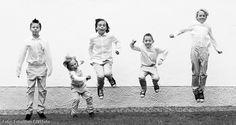 Hoppa killar… och de hoppade… Jump boys... and they did....  #fotolillan #hopp #jump #svartvitt