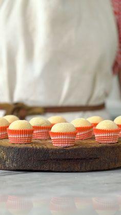 Brigadeiro de Queijo com Goiabada - Obrigado, Brigadeiro! Brigadeiro Recipe, Tasty Videos, Peanut Butter Cookie Recipe, Tiny Food, Dessert Recipes, Cake Recipes, Sweet Recipes, Cooking Recipes, Cooking Grill