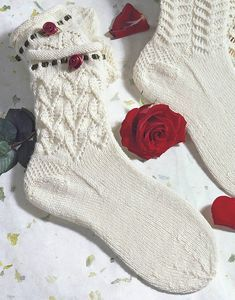 Knitting Socks, Knitting Stitches, Hand Knitting, Knitting Patterns, Summer Slippers, Mitten Gloves, Christmas Stockings, Knit Crochet, My Design
