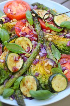 Grillen met groenten: Heerlijke en makkelijke barbecue groente recepten Vegetable Recipes, Vegetarian Recipes, Barbecue, No Cook Meals, Food For Thought, Summer Recipes, Italian Recipes, Salad Recipes, Good Food