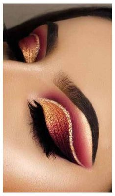 6 Alluring Christmas Eye Makeup Tips to Try This Year . - Make up is necessary - 6 Alluring Christmas Eye Makeup Tips to Try This Year . 6 Alluring Christmas Eye Makeup Tips to Try This Year Makeup Eye Looks, Cat Eye Makeup, Eye Makeup Tips, Glam Makeup, Makeup Hacks, Makeup Inspo, Eyeshadow Makeup, Eyeliner, Makeup Products