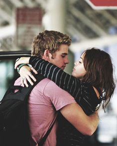 Miley Cyrus and Liam Hemsworth Liam Y Miley, Liam Hemsworth And Miley, Miley Cyrus, Hannah Montana, Cute Celebrity Couples, Cute Couples, Disney Channel, Rhonda Vincent, Tennessee