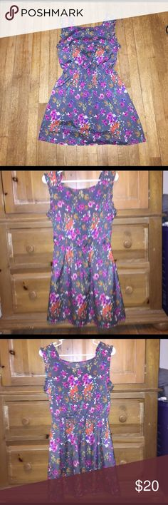 Paisley and Ivy spring/summer dress Dress is gray with bright floral pattern. Material is Polyester, it's very light weight. Perfect for spring and summer. Size medium. The dress is in great condition. Dresses Mini