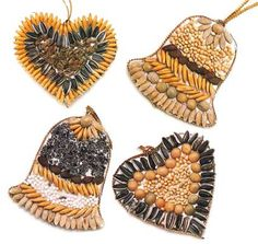 Cheap Christmas Decorations - nature ornaments with cardboard and seeds/beans