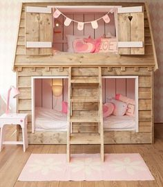 wooden shingle house bed for two girls is a super cozy idea