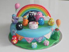 Barbapapa regenboog rainbow Barbamama Birthday cake taart. Meer Barbapapa spullen zijn te vinden op www.vanallesvan.nl