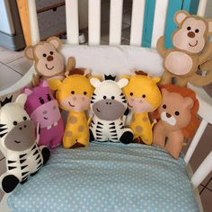Best 12 Don't they look just the darlingest ? Baby Shower Crafts, Baby Crafts, Diy Pillows, Floor Pillows, Baby Cot Bumper, Creative Kids Rooms, Baby Sewing Projects, Felt Decorations, Sewing Toys