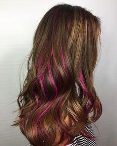 hair highlights Hair color peek a boo peekaboo highlights haircuts 36 Super Ideas Rosa Highlights, Pink Hair Highlights, Purple Peekaboo Highlights, Colorful Highlights In Brown Hair, Colored Highlights, Pink Hair Streaks, Peekaboo Hair Colors, Underlights Hair, Bright Hair
