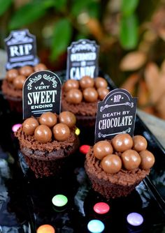 Death by chocolate cupcakes recipe (with FREE printables!) cool gravestone labels