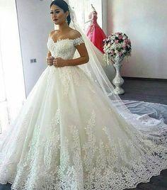"""Mi piace"": 5,132, commenti: 17 - All about Weddings, brides (@thebride_pics) su Instagram: ""#ido #weddingday #vestidodenoiva #casamento #weddingseason #instabride#vestido #dreamwedding…"""