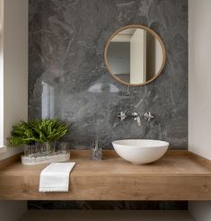 Guest toilet ideas - these tips will make the small room perfect! - # guest toilet with accent wall in - Bathroom Design Luxury, Bathroom Design Small, Modern Bathroom, Washbasin Design, Guest Toilet, Toilet Design, Bathroom Renovations, Bathroom Inspiration, Bathroom Ideas