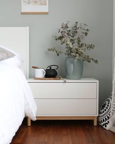 So in love with our new wall colour Nina ich bin noch immer sprachlos ob deiner. So in love with o Home Decor Bedroom, Home Bedroom, Interior Design Living Room Modern, Ikea Home, Vintage Bedroom Decor, Wall Colors, Home Decor, Eket, Ikea Bedroom