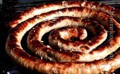Knoffelwors ~ Heerlik oor die kole ~ So maak jy: Boerekos Resepte Sausage Recipes, Chicken Recipes, Cooking Recipes, Home Made Sausage, Jalapeno Popper Chicken, Biltong, South African Recipes, Dessert Recipes, Desserts