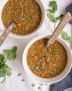 Moroccan Lentils Recipe - Shoot the cook - Food photography tips with healthy and simple recipes Lentil Recipes, Vegetarian Recipes, Healthy Recipes, Simple Recipes, Easy Healthy Breakfast, Healthy Eating, Vegetable Base Recipe, Real Food Recipes, Cooking Recipes
