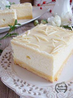 Sernik wiedeński z manną i białą czekoladą. Polish Desserts, Polish Recipes, Polish Food, Food Fantasy, Different Cakes, How Sweet Eats, Cheesecake Recipes, Cake Cookies, My Favorite Food