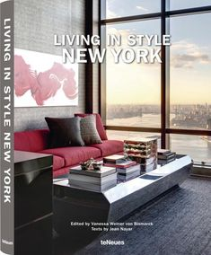 Few cities are as renowned for its energy and style as New York. Long a magnet for leaders in fashion, art, design, and commerce, this metropolis is home to one of the most influential assortments of tastemakers anywhere. It's no wonder that New York's top interiors would be as dynamic and varied as its inhabitants. Browsing through the pages of this stunning volume, we get a chance to glimpse the luxurious and imaginative rooms normally hidden from public view—or only ever seen by the privi...