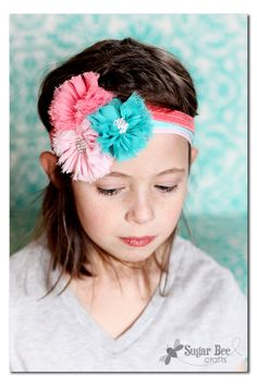 these headbands are so easy to make (click for the tutorial!) - - and they look amazing stacked all together! - - how-to instructions from Sugar Bee Crafts