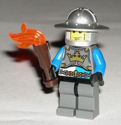 LEGO Gold Gateway Castle Minifigure Knight with Archer Helmet and Torch 70401 #LEGO