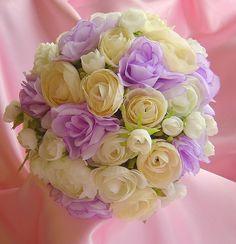 ranunculus bouquet in purple