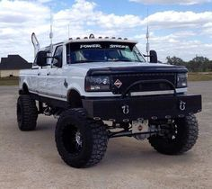 I seriously love this color selection for this %%KEYWORD%% Old Pickup Trucks, Lifted Ford Trucks, 4x4 Trucks, Cool Trucks, F150 Lifted, Custom Trucks, Chevy Trucks, Obs Truck, Truck Mods