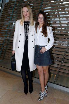 Delphine Arnault ao lado da cantora Selena Gomez em um look mais comportado!