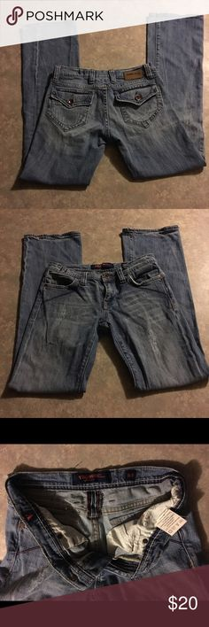 """DISTRESSED """"VIGROSS"""" Skinny Denim Jeans Size: 5/6 EUC!  These are a Darling pair of DISTRESSED """"VIGROSS"""" Skinny Denim Jeans!!  Size:  5/6  MEASUREMENTS:  WAIST:  14"""".  INSEAM:  30"""".  FRONT RISE:  9"""".  BACK RISE:  10.5"""".   From a smoke free home. Please let me know if you have any questions AND OFFERS ARE MORE THAN WELCOME in MY CLOSET!! :) Vigoss Jeans Skinny"""