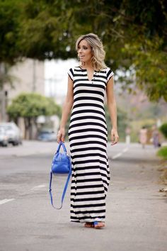 looksly - Camila Milagres com vestido longo listrado do Verão 2016 Casual Chic, Casual Wear, Cute Dresses, Casual Dresses, Vestido Casual, Dress Tutorials, Stripes Fashion, Modest Outfits, Look Cool