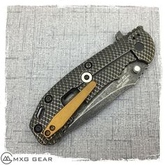 Custom made titanium deep carry pocket clip for Zero Tolerance ZT knives, it's made of 6al-4v titanium. The clip comes with 2 T6 Titanium Torx Screws (Knife is