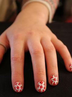 diy rose nails