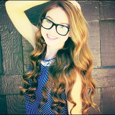 Hey guys, listen up, you have GOT to check out this awesome girl on YouTube! Stilababe09 is the best! She has awesome tutorials and she's given me so many great ideas for fashion beauty and hair.
