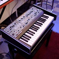 1976: SYSTEM-100 Modular Synth
