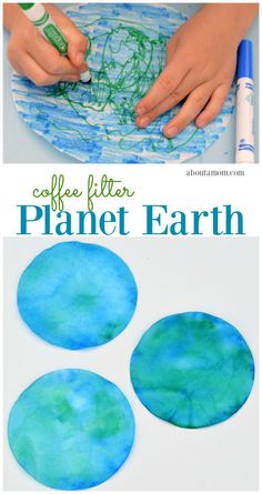 This coffee filter planet Earth craft is a great Earth Day craft for kids. This coffee filter planet Earth craft is a super easy and inexpensive craft to do with kids on Earth Day or while studying the planets. Earth Craft, Earth Day Crafts, Earth Day Activities, Craft Activities, Space Activities, Day Care Activities, Earth Day Kindergarten Activities, Planet Crafts, Earth Day Projects