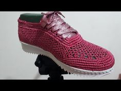 ZAPATO TEJIDO EN CROCHET - MODELO YATRA. Mary Luz Crochet. YouTube Crochet Shoes, Crochet Slippers, Spring Boots, How To Make Shoes, Crochet Videos, Sock Shoes, Espadrilles, Adidas Sneakers, Oxford Shoes