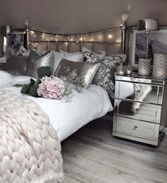 Like what you see ? Follow me for daily Cute Dream Bedrooms - @GlowByTequilla❤️!