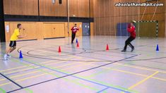 Passtraining with 3 players Exercise For Kids, Kids Workout, Trainer, Youtube, Basketball Court, Gym, Confirmation, Activities, Handball