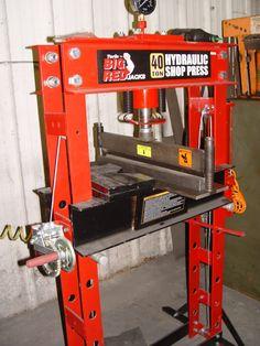 welding table on wheels Welding Gear, Diy Welding, Welding Table, Metal Projects, Welding Projects, Sheet Metal Bender, Metal Fabrication Tools, History Of Welding, Shop Press