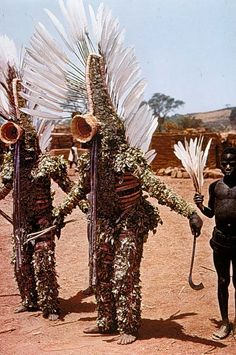 Disfraz de hojas para los ritos de purificación y el espíritu de Do