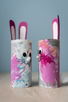 Small Easter crafts: Easter bunnies tinker with children - mini .-Kleine Osterbastelei: Osterhasen basteln mit Kindern – Mini & Stil Small Easter handicrafts: Easter bunnies tinker with children from toilet paper rolls withchildren Bunny - Bunny Crafts, Easter Crafts For Kids, Toddler Crafts, Preschool Crafts, Diy For Kids, Children Crafts, Unicorn Crafts, Cute Easter Bunny, Easter Art
