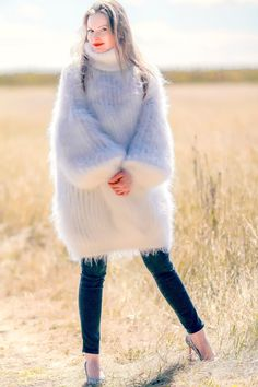 Mohair Sweater, Turtleneck, Hand Knitting, Fur Coat, Long Sweaters, Cable Knit Sweaters, Types Of Hands, Icelandic Sweaters, Embroidered Flowers