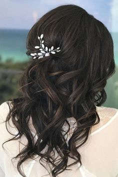 wedding hairstyles for thin hair gorgeous dark hair styles by reneearie Looking for wedding hairstyles that make your hair fuller and thicker? Check out our best collection of wedding hairstyles for thin hair! Wedding Hairstyles Thin Hair, Thin Hair Updo, Wedding Hair And Makeup, Down Hairstyles, Hair Wedding, Office Hairstyles, Anime Hairstyles, Stylish Hairstyles, Hairstyles Videos
