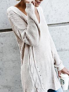Leave everybody amazed every time you wear this loose sweater.Fascinate them with your unquestionable style in Tops.