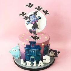 Resultado de imagen para vampirina cake
