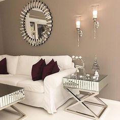 Nydelig hos @interiorcamilla #classicliving #interior #salongbord