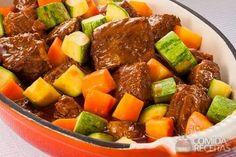 Receita de Ensopado de costela com ragu de legumes - Comida e Receitas