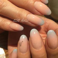 ふわっと淡い♡ . クリア×ピンク×水色 のWグラデーションです。 . 妖精みたいな雰囲気。 爪先にほんの少し 水色が効いてますね . シルバー箔のイニシャルは、 @tsumekira のを使いました✨ . 。 .  #Nails  #springnails  #젤네일 #네일 #美甲 #nailart #Frenchnails #gelpolish #gelmanicure #tokyo #Designnail #gelnails  #恵比寿 #お花ネイル #フレンチネイル #ネイルアート #ネイルデザイン #シンプルネイル #フラワーネイル #ジェルネイル #Nailsart #夏ネイル #セルフネイル #大人ネイル  #グラデネイル # #flowernails