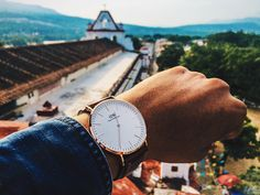 (Photo via IG: romeo_tapia) Daniel Wellington Watch, Classic Collection, Gold Watch, Watches For Men, Mens Fashion, Travel, Jewelry, Women, Style