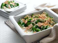 Philadelphia tuna and broccoli bake recipe. Cheese recipes from Cookipedia. A very quick and health meal for four. Fish Recipes, Pasta Recipes, Healthy Recipes, Recipies, Tuna Bake, Philadelphia Recipes, Meals For Four, Broccoli Bake, Chicken And Butternut Squash