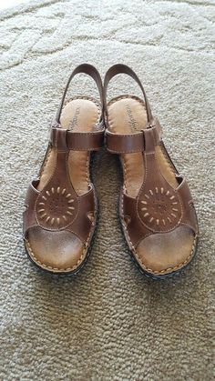 0365728c7 NATURALIZER Size 9 Medium  Callier  Taupe Leather Sandals  fashion  clothing   shoes