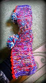 Arkimamman Arkiralli: Isomummilta liuta jämälankatossuja Slippers, Socks, Fashion, Knitting And Crocheting, Moda, Fashion Styles, Slipper, Sock, Fasion